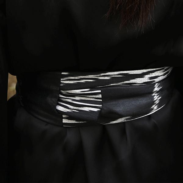 ceinture-obi-ikat-noir-gris-a-nouer