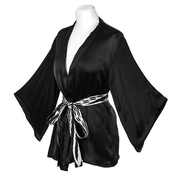 Kimono en satin de soie noir