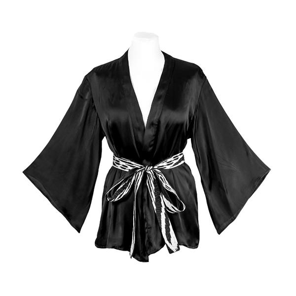 Kimono en soie et manches longues évasées